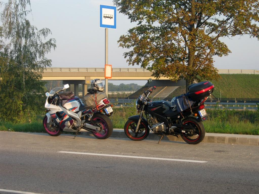 830fd4387332 6 órakor indult a csapat Győrből, mi a tesómmal Rábapatonánál csatlakoztunk,
