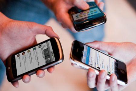 Seputar Penggunaan Handphone di Restoran