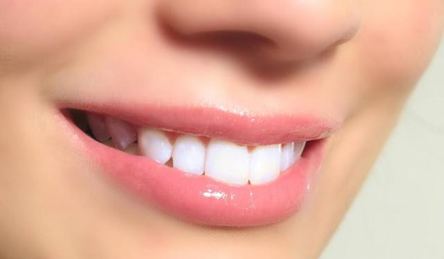 طرق سريعة لإزالة السواد حول الفم