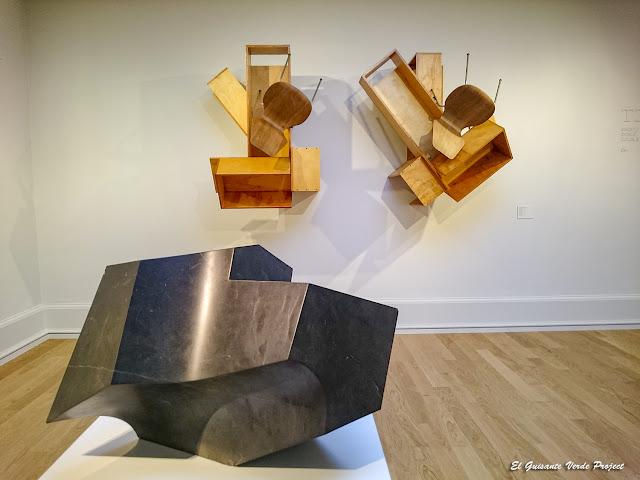 Macla de dos cuboides abiertos, Jorge Oteiza y Doble Trouble, Txomin Badiola - Museo Bilbao por EGVP