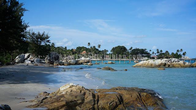 parai-beach-pulau-bangka-belitung