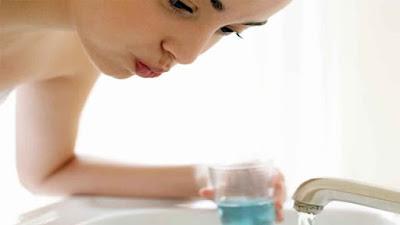 Salt water oral rinse