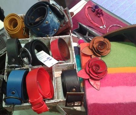 Cinturones de colores, carteras lana rayas