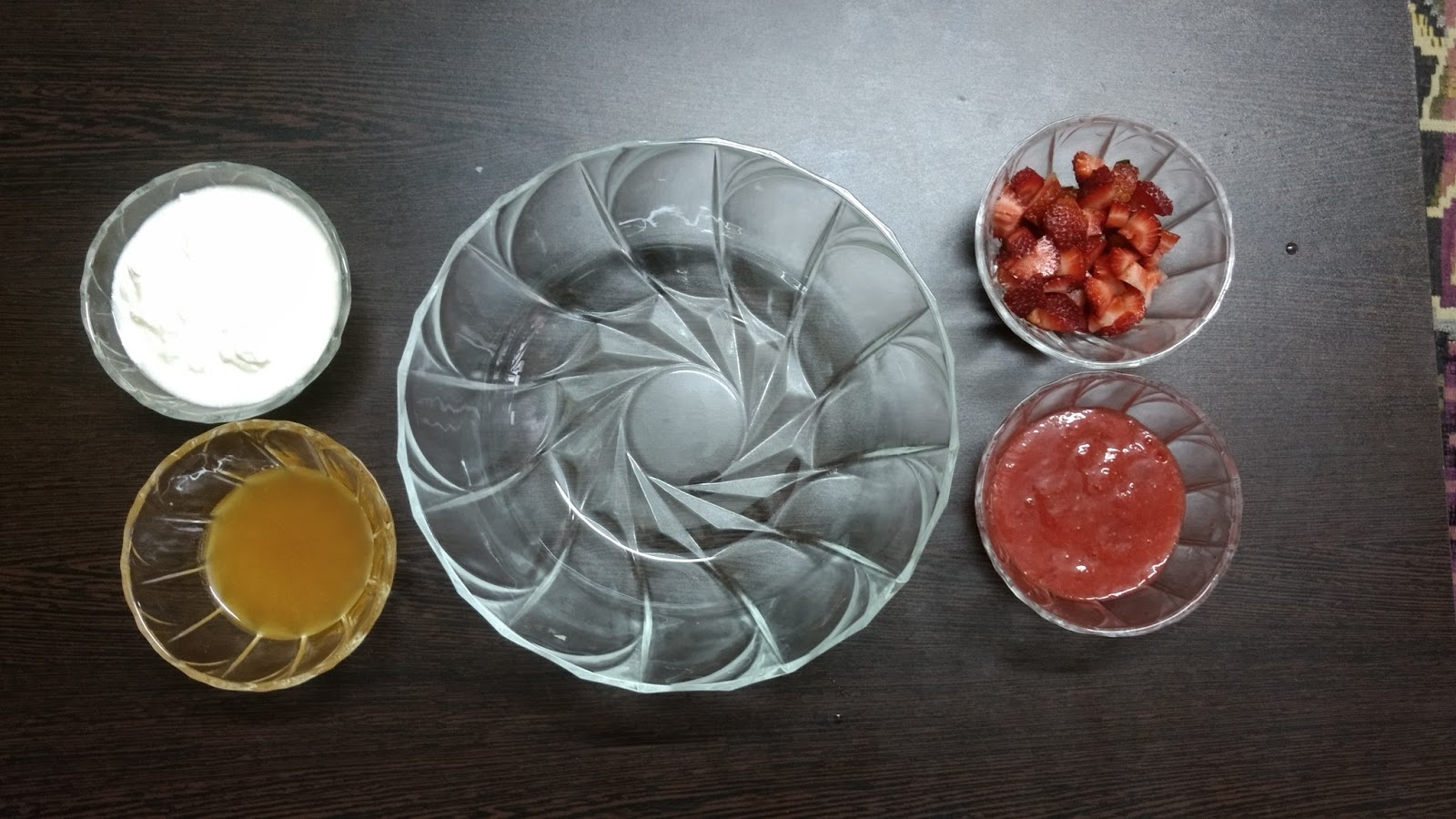how to make strawberry ice cream in hindi