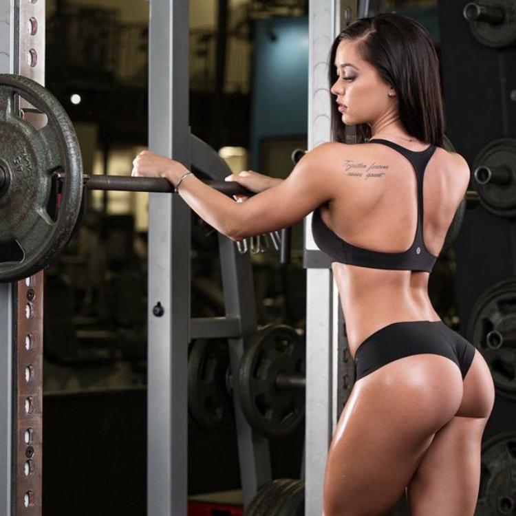Fitness Model Katy Hearn
