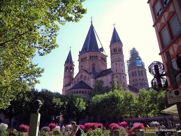 Vista de la Catedral desde Liebfrauenplatz (Maguncia, Alemania)