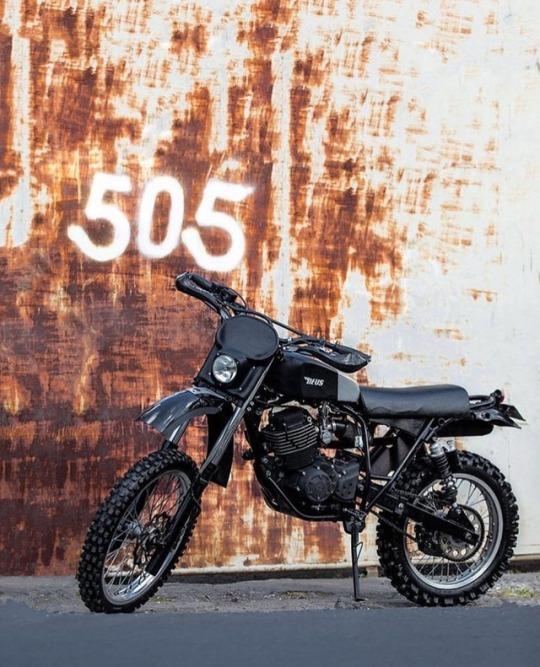 Deus, Bali - Custom retro scrambler based on a Yamaha Byson