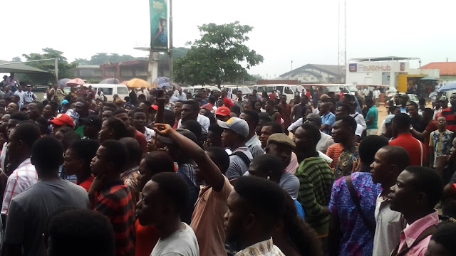 Stella Dimoko Korkus.com: Uniben Students Protest Hike In School Fees