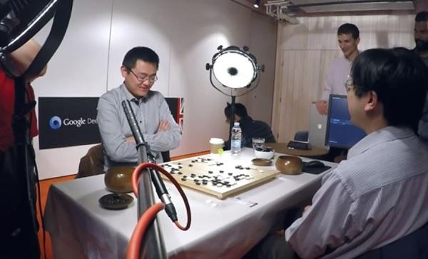 Après les échecs, le go dominé par l'intelligence artificielle