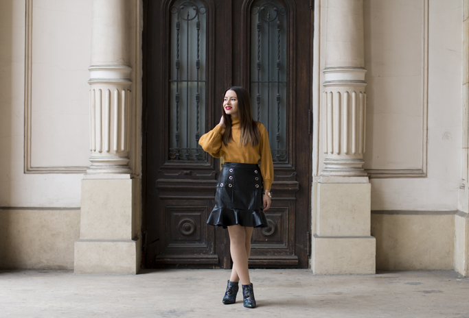 how to wear the leather skirt