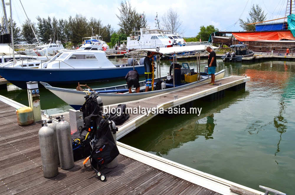Miri Diving Boat