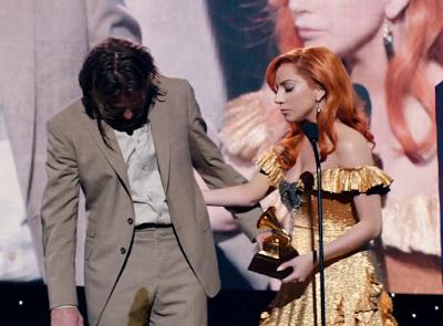 Cena em que Jack surta no Grammy durante a entrega do prêmio para Ally.