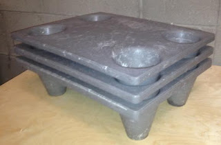Palet-plastico-reciclado-Syntec-apilable-encajable-400x300x110