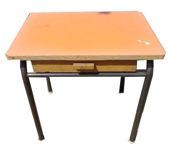 biblots et patinette tabouret et table d 39 colier. Black Bedroom Furniture Sets. Home Design Ideas