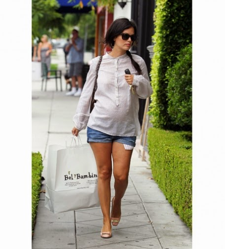 Rachel Bilson leaves with a bulging shopping bag, the Baby Boutique