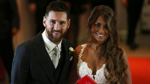 Pictures: Lionel Messi weds his Childhood Sweetheart, Antonella Roccuzzo