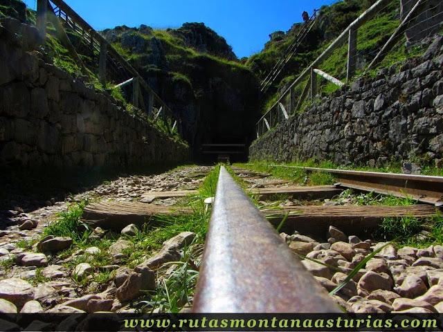 Ruta Lagos de Covadonga PR PNPE-2: Vías en las minas de Buferrera