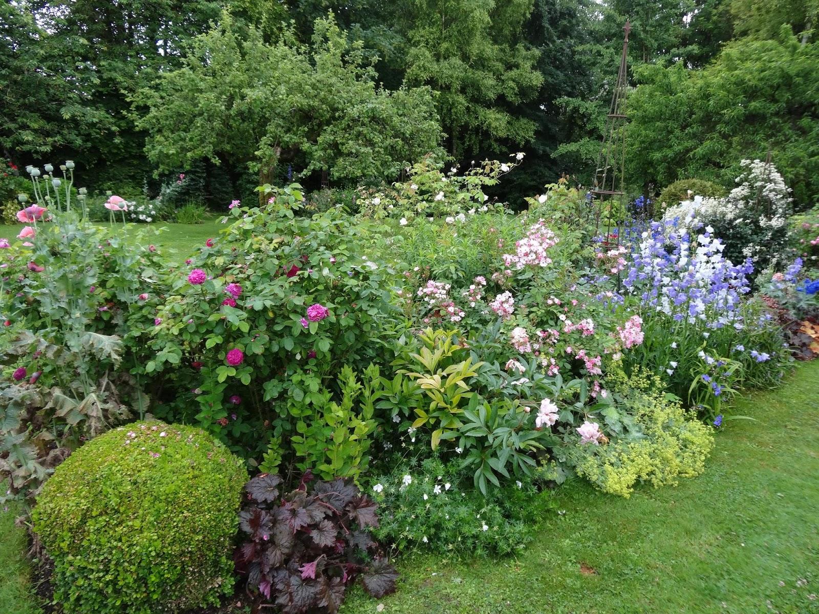 le blog de parcs et jardins de l 39 oise jardins du coeur suite le jardin de brigitte. Black Bedroom Furniture Sets. Home Design Ideas