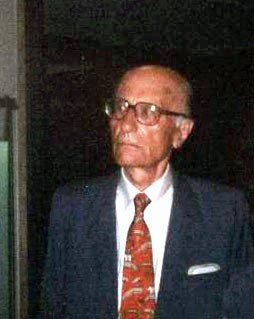 Montanelli pictred in Milan in 1992
