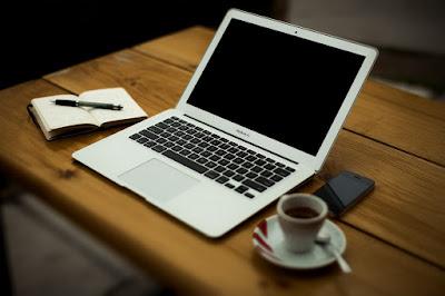 Работилница за творческо писане към издателство Холотера