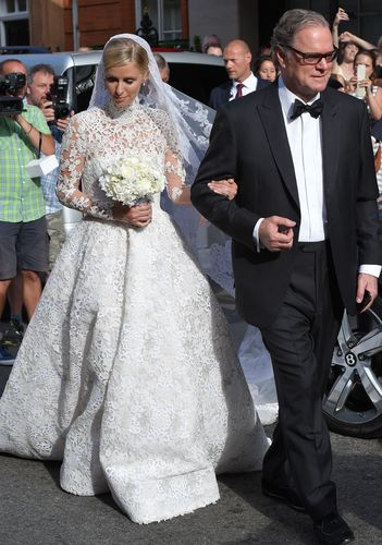 First Photos of the bride: Nicky Hilton
