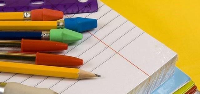 Ηγουμενίτσα: Προσφορά δωρεάν γραφικής ύλης σε μαθητές