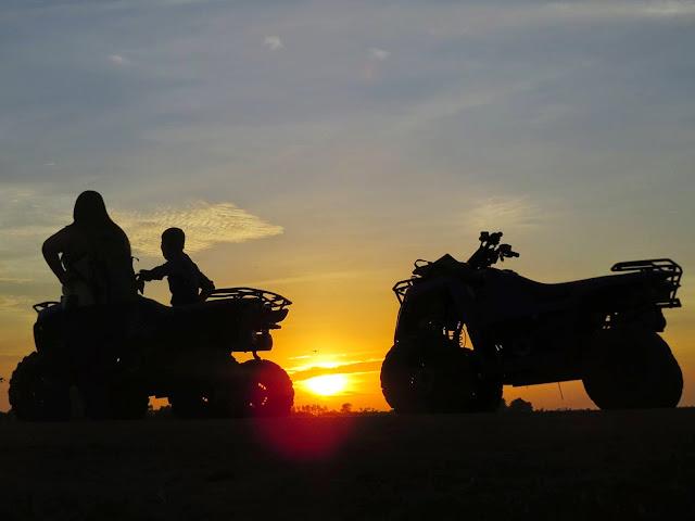 http://www.cambodiaquadbike.com/tour-detail/sunset-quad-%E2%80%93-1-hour-4.html