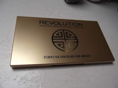 Makeup Revolution Fortune Favours the Brave paletka očných tieňov