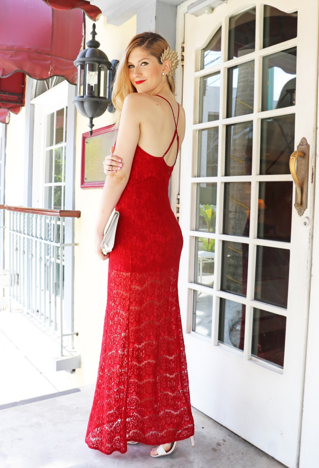 This red lace maxi dresss is so pretty and affordable!