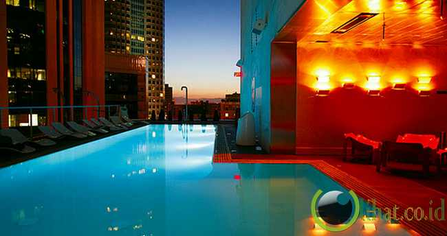 Rooftop Pool di The Standard Downtown, Los Angeles, AS