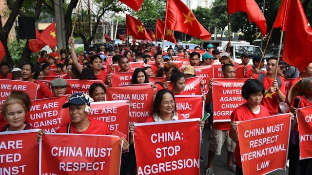 Filipinos y vietnamitas reclaman sus derechos sobre el mar del Sur de China