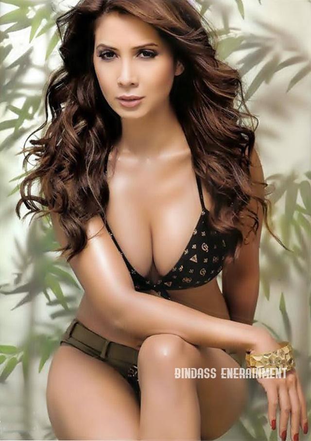 Kim Sharma1