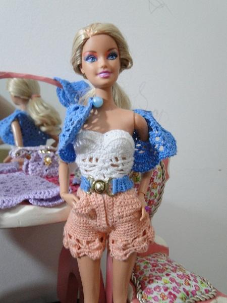 maiô, chapéu, cinto e bolero de crochê para Barbie Pecunia MM