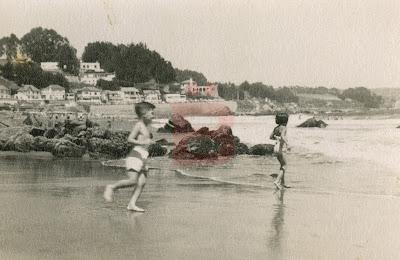 Resultado de imagen de niños en la playa años 70