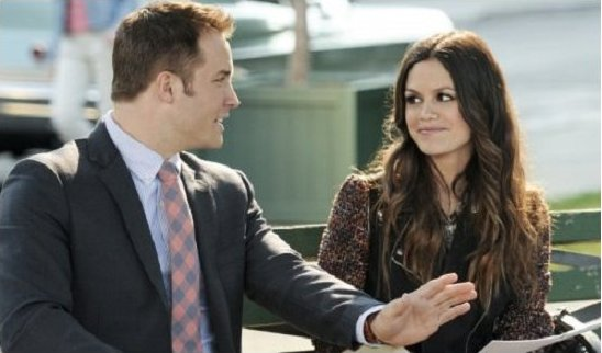 Hart of Dixie - George and Zoe sit on bench outdoors and talk