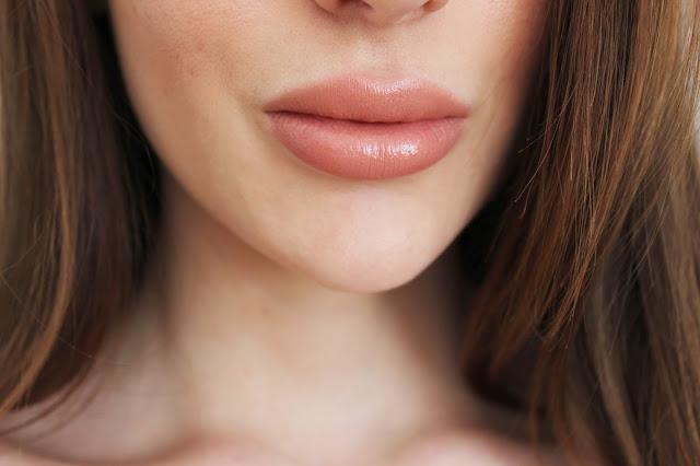 Charlotte Tilbury K.I.S.S.I.N.G. Lipstick Penelope Pink Review Rosy Cherrington Girl Culture Blog