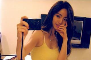 Guru SMA Cantik Asal Korea Selatan
