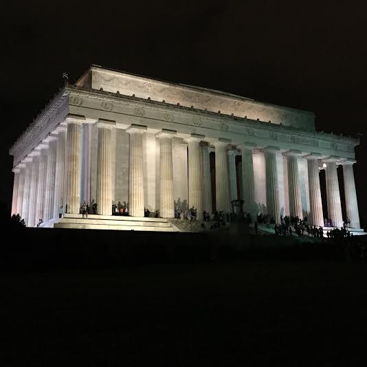 Taking in Washington DC at Night on a Night Tour