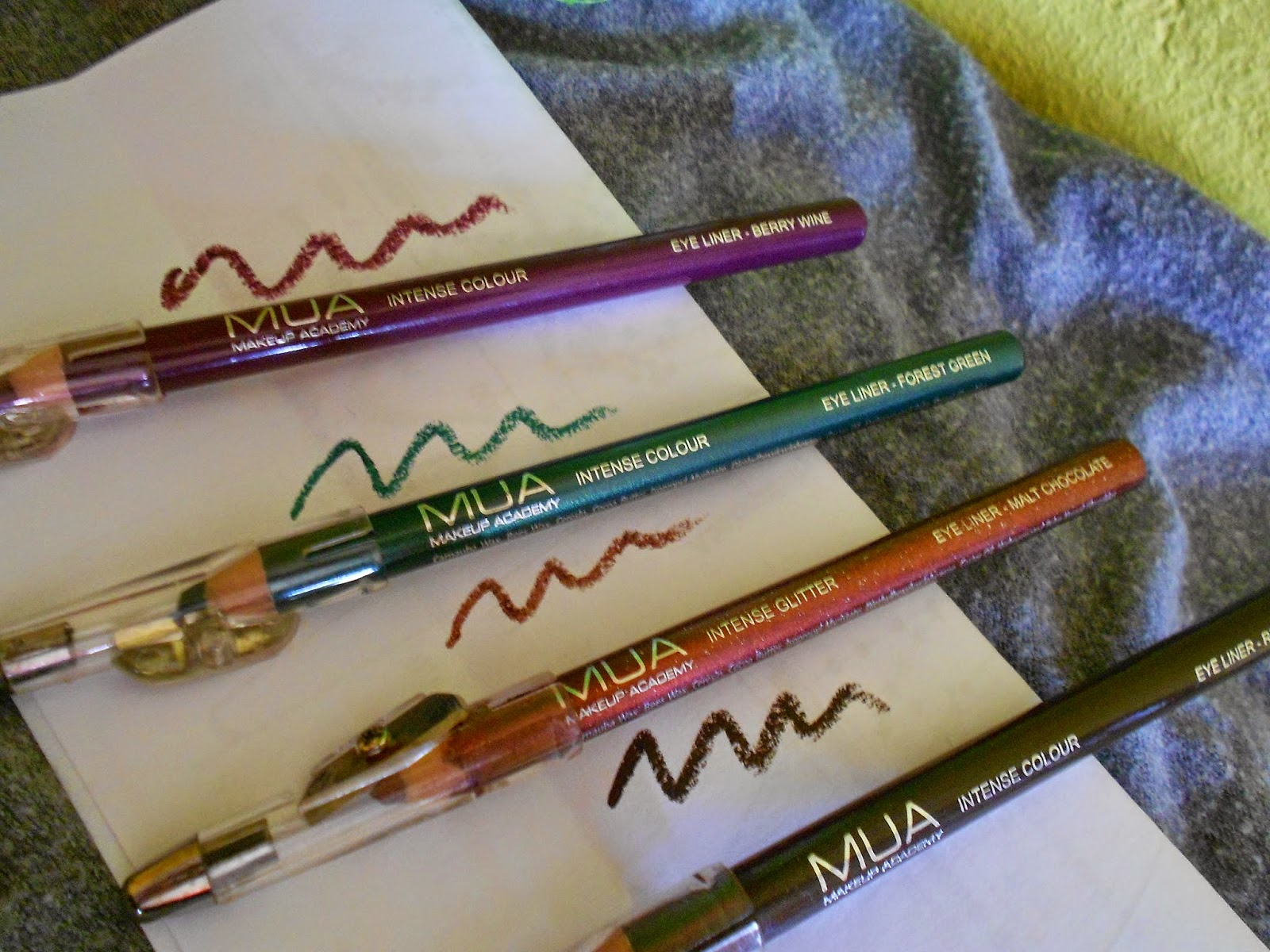 Eyeliner MUA Berry Wine, Forest Green, Malt Chocolate e Rich Brown