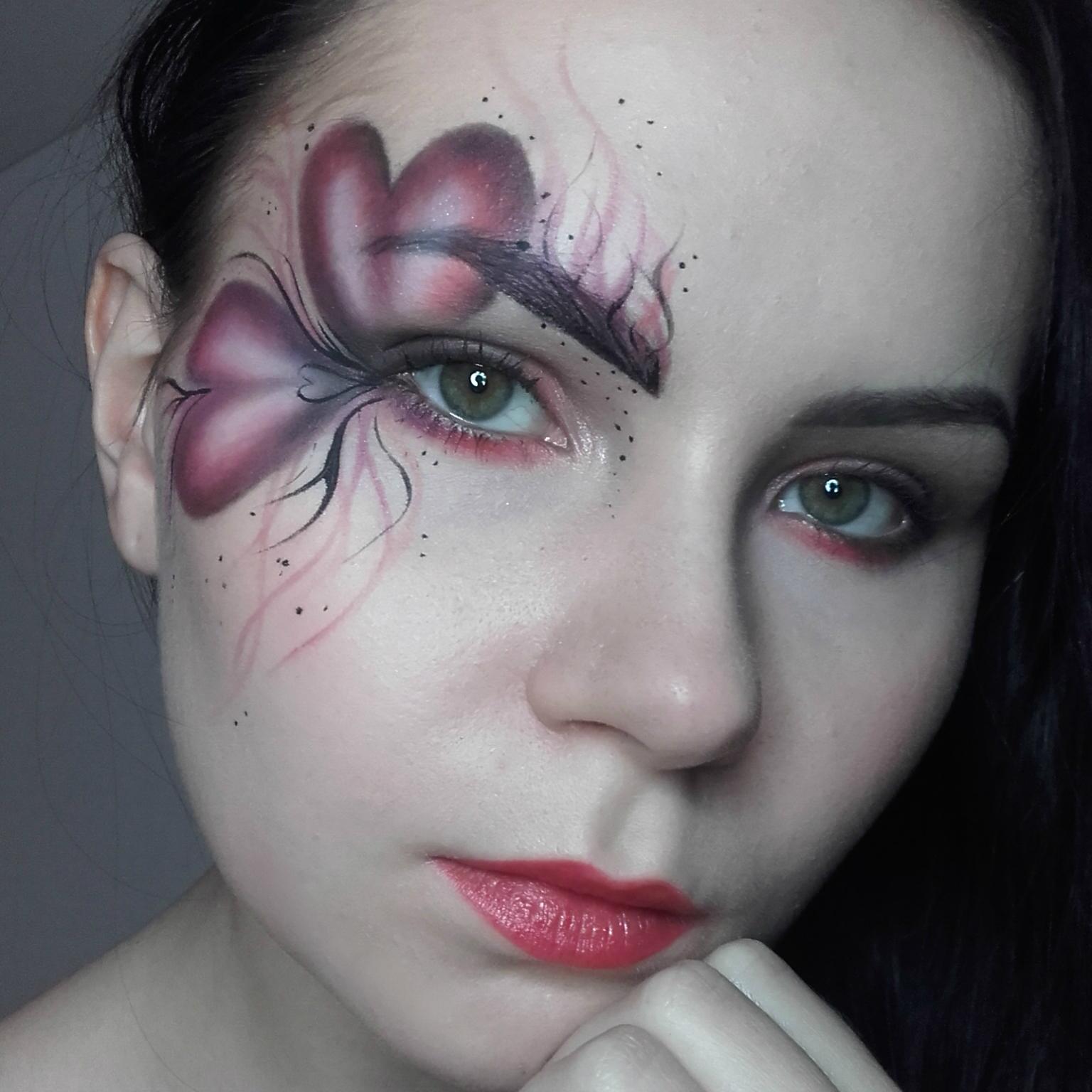 Makijaż Artystyczny W Walentynkowym Klimacie Uroda Zblogowani