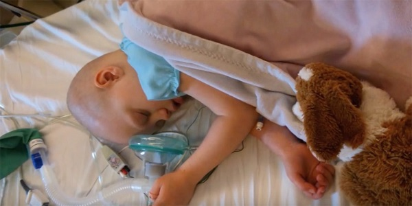 Parents say goodbye to cancer-stricken daughter