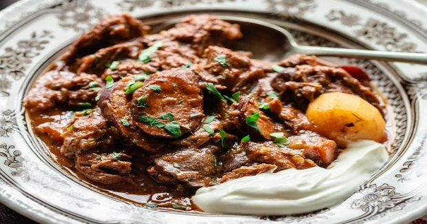 """Russian Sweet And Sour Beef Stew """"Solyanka""""Recipe"""