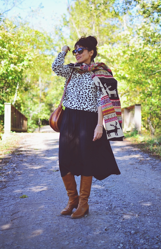 Outfit with midi skirt and tall boots