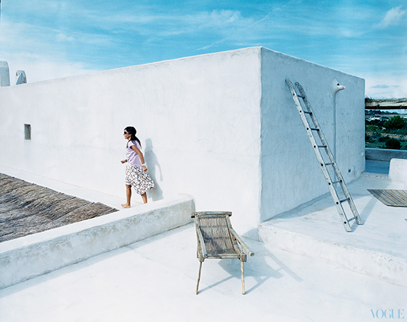 Modern country design inspiration | Image of the Castiglioni summer house in Formentera by Francois Halard via Vogue.