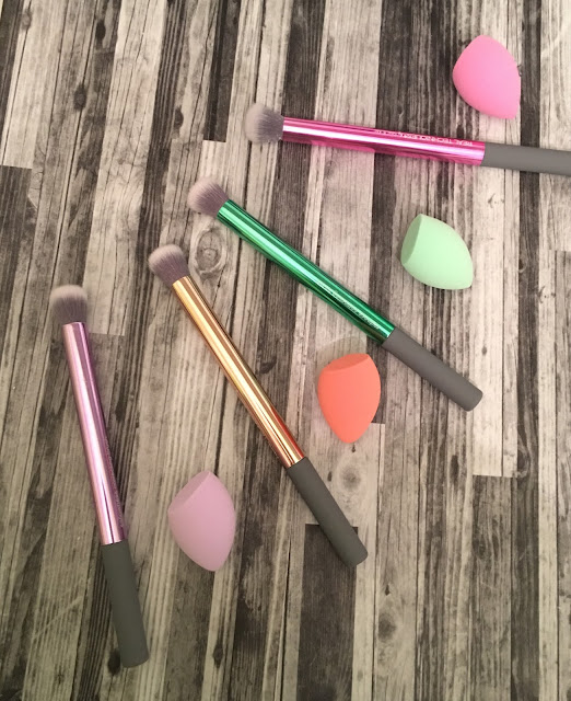 Real Techniques Color Correcting Brush Set with Mini Sponges
