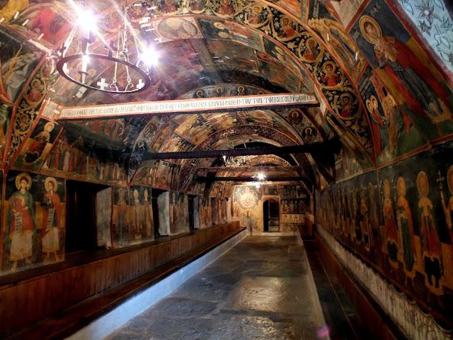 Interior de la Iglesia de la Natividad en Arbanasi