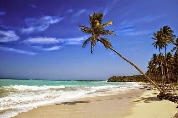 25 Pantai Yang Indah di Pulau Jawa - Pantai Anyer, Banten