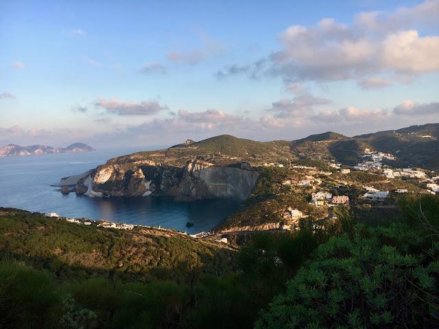 La Vendemmia {The Wine Harvest on the Island of Ponza}