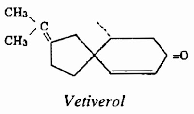 Công thức hóa học Cây Hương Lâu-Dianella Ensifolia-Nguyên liệu làm thuốc Có Chất Độc