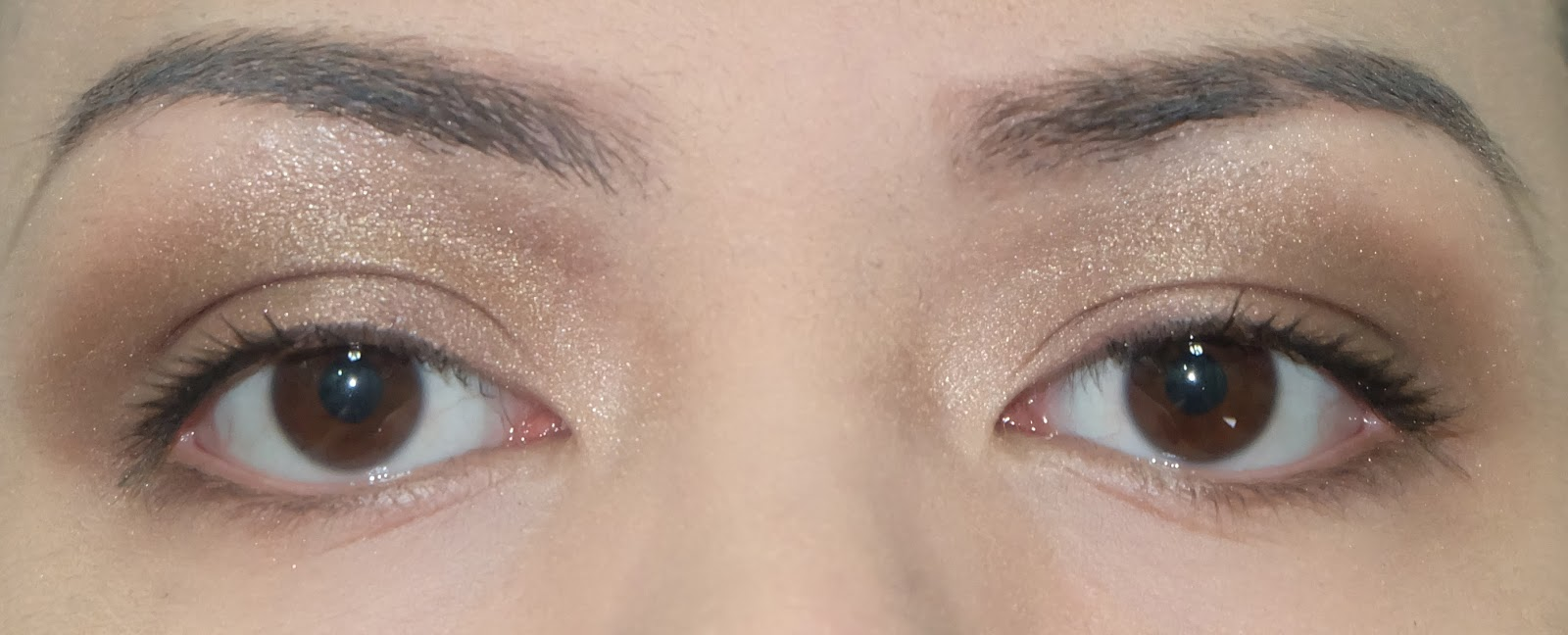 Swatch of Stila Eyes are Windows Palette in Soul  best eye shadow product review